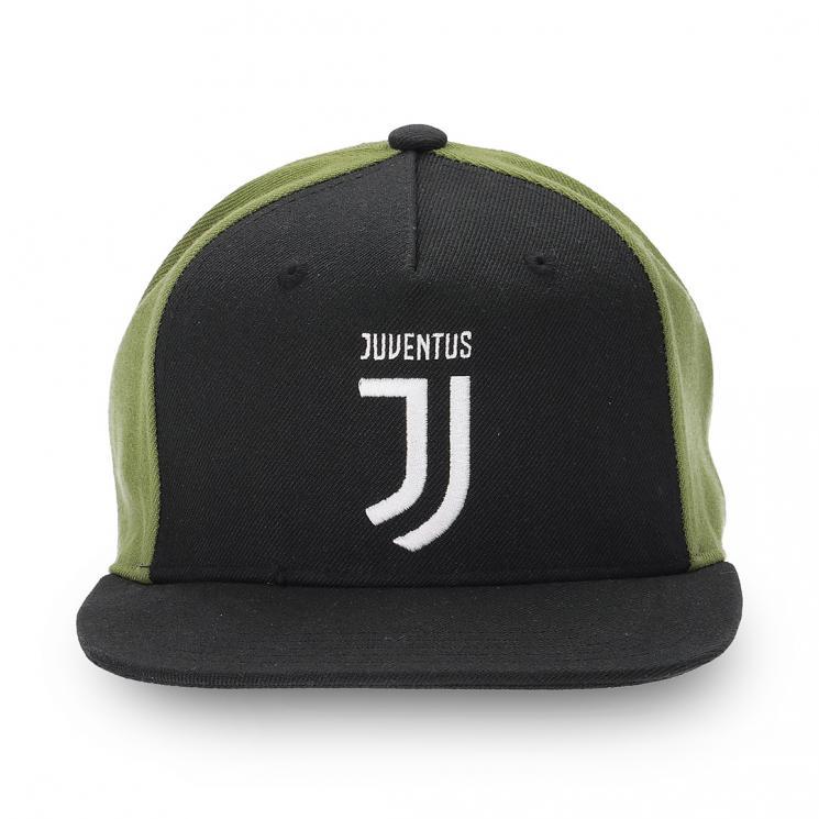 Home · Allenamento · Accessori · Cappelli e berretti  JUVENTUS CAPPELLINO  VISIERA PIATTA 2017 18. 93252fa235e1