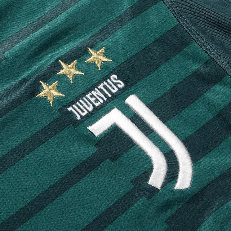 38c659b9ddb Juventus Goalkeeper Jersey 2018-2019 from the Club's Official Store ...