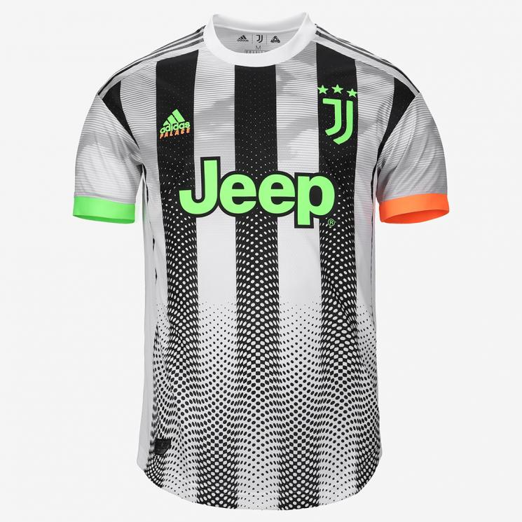 https://store.juventus.com/data/store/product/4/43447/product.jpg