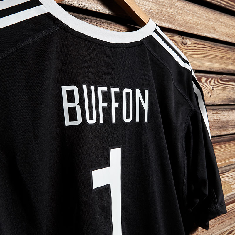 1f6820d77 Juventus Buffon celebrative promo Jersey - Juventus Official Online ...